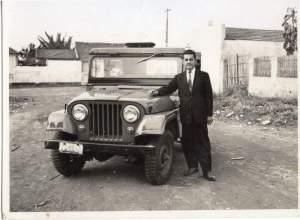 Pai e jeep