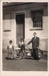 Pai e moto